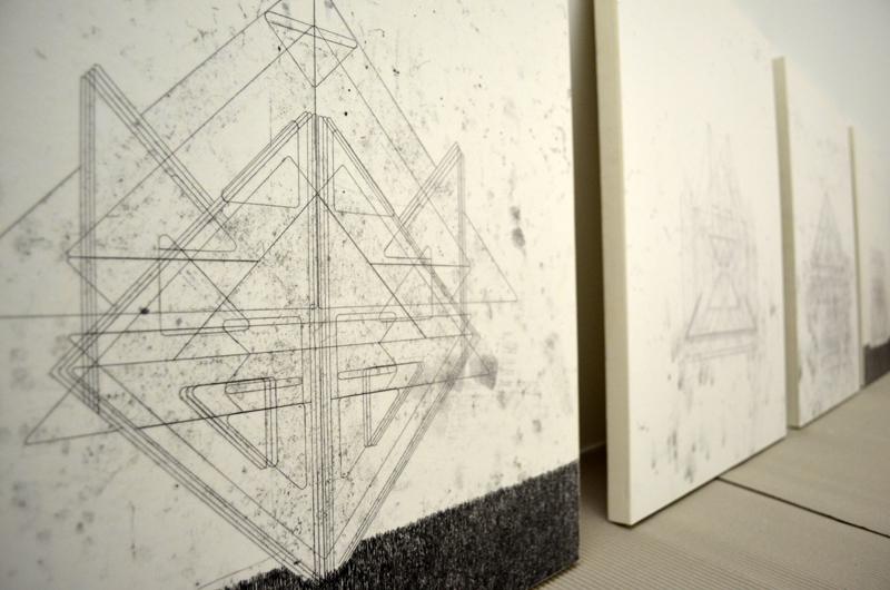 Blahó Borbála: Templomok sorozat (monotípia, papír, 60 x 52 cm, 2013)